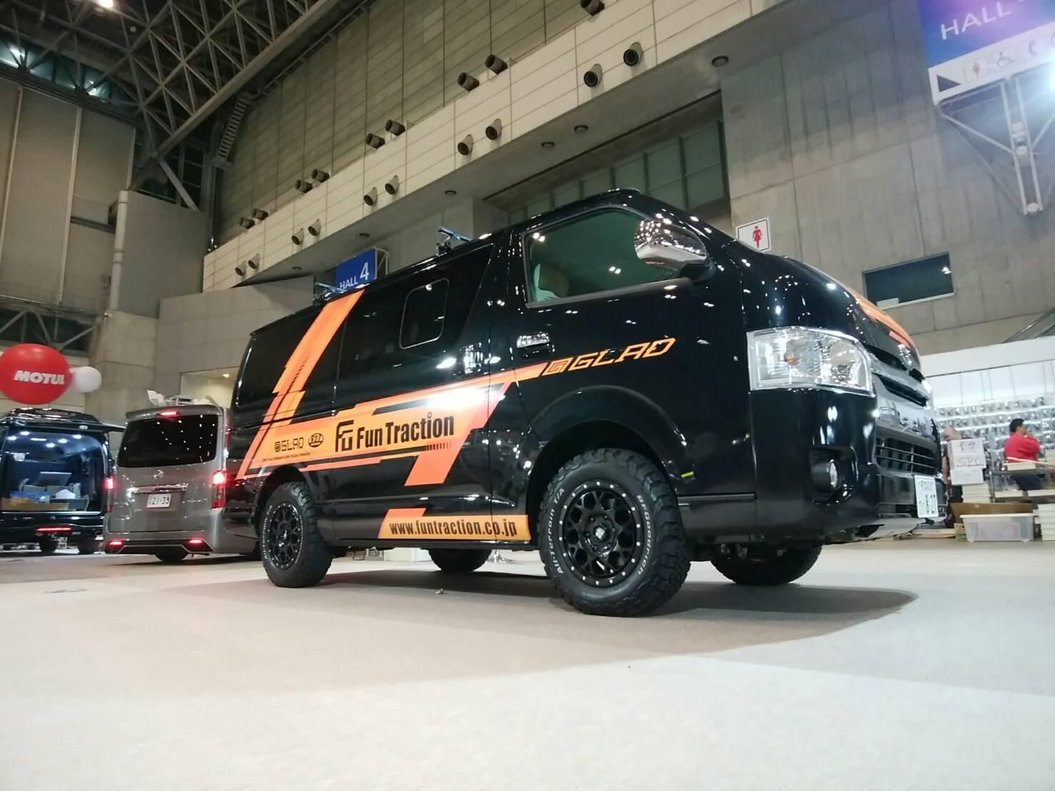東京オートサロン出展ハイエースGLADデモカーFUNトラクション