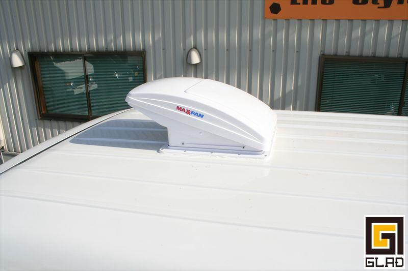ハイエース キャンプ 車中泊 換気扇 MAXファン リモコン ベッド オグショー827