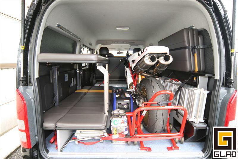 GLADステップベッドキット 片面2段ベッドをオンロードバイク積載トランポへ