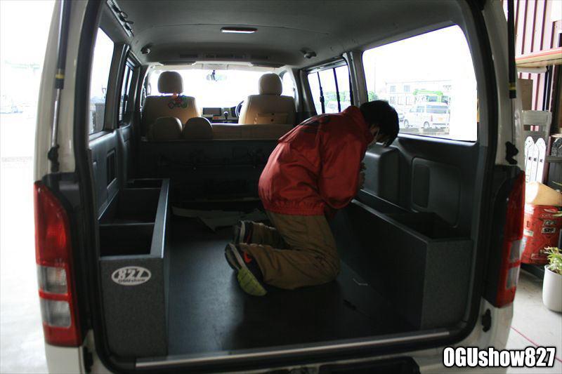 ハイエース セカンドシート 3点式シートベルト 後付施工 チャイルドシート 九州熊本のトランポ専門店オグショー827