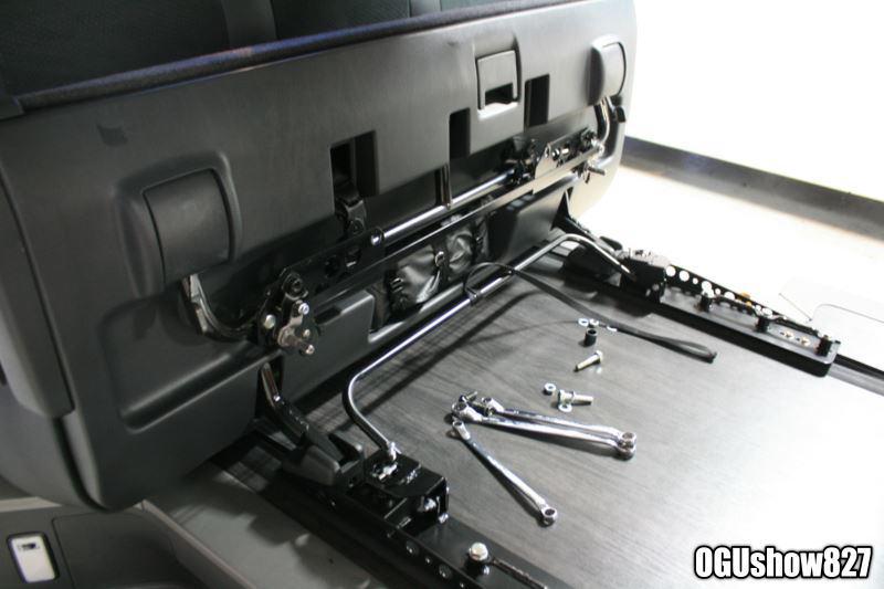 ハイエース S-GLダークプライム 自転車積載トランポ フルオーダー製作中