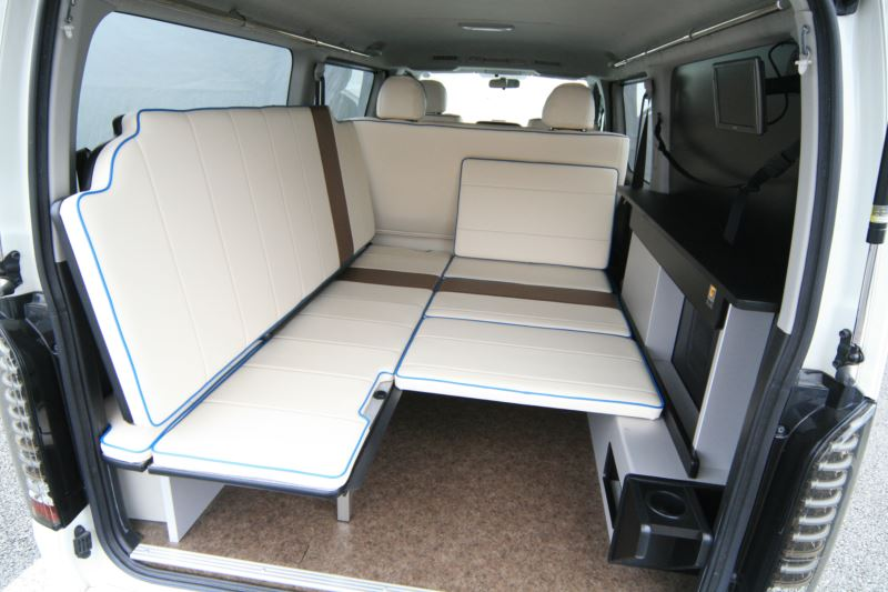 ハイエース車中泊 片面2段ベッド GLADステップベッド