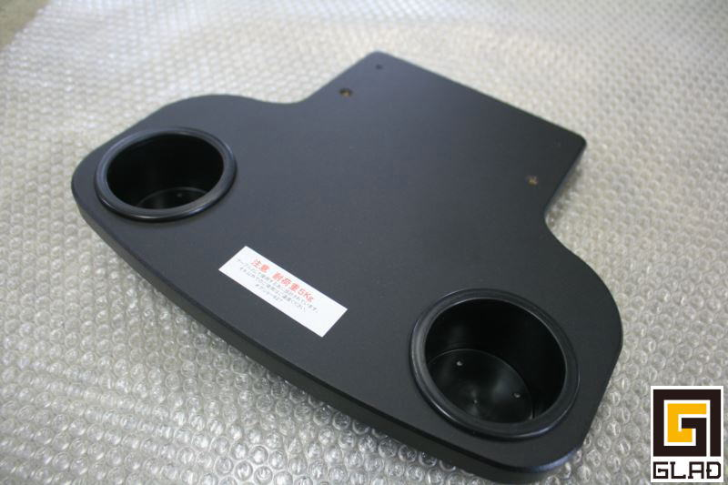 ハイエース セカンドシート用テーブル GLADスマートテーブルJr. リアモニター台として活用も!