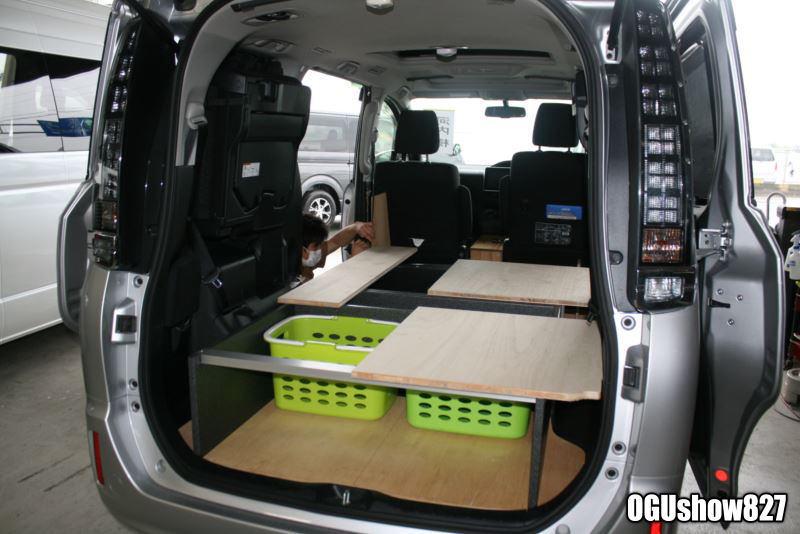 トヨタボクシーにオリジナル棚 オーダー製作中