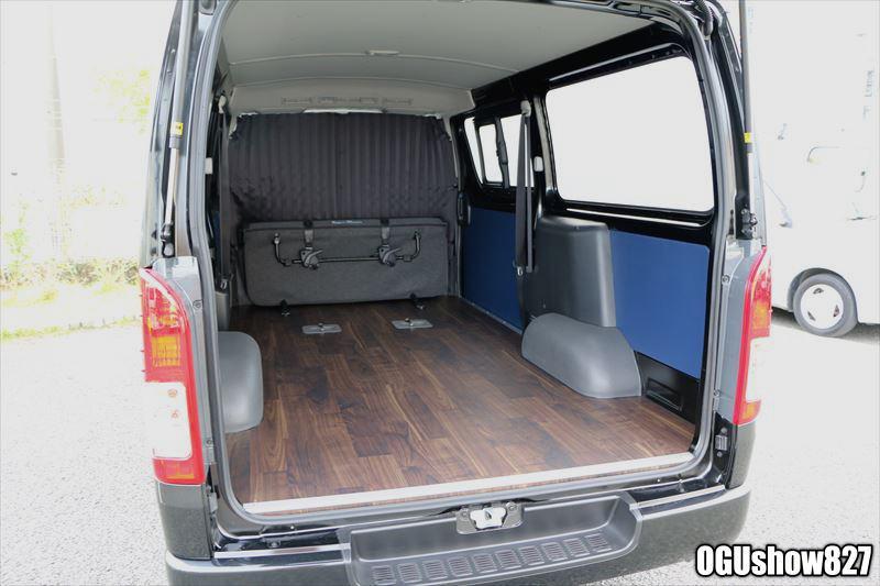 ハイエースDXバン フロア床貼り シートカバー パネルトリム加工