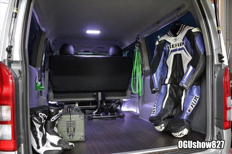 ハイエースS-GL オンロードバイク積載トランポ 床スライドレール埋め込み バイク固定用フック フックスタンド