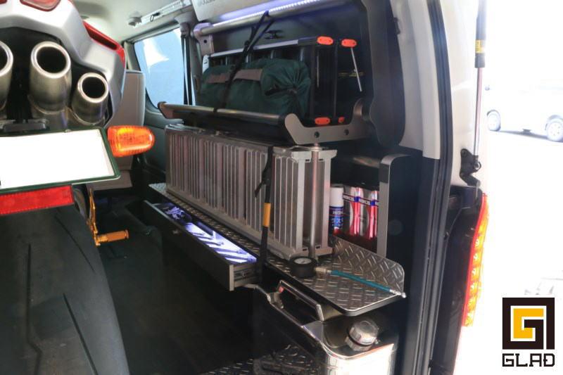 ハイエース片面2段ベッドGLADステップベッド搭載 オンロードバイク積載トランポ