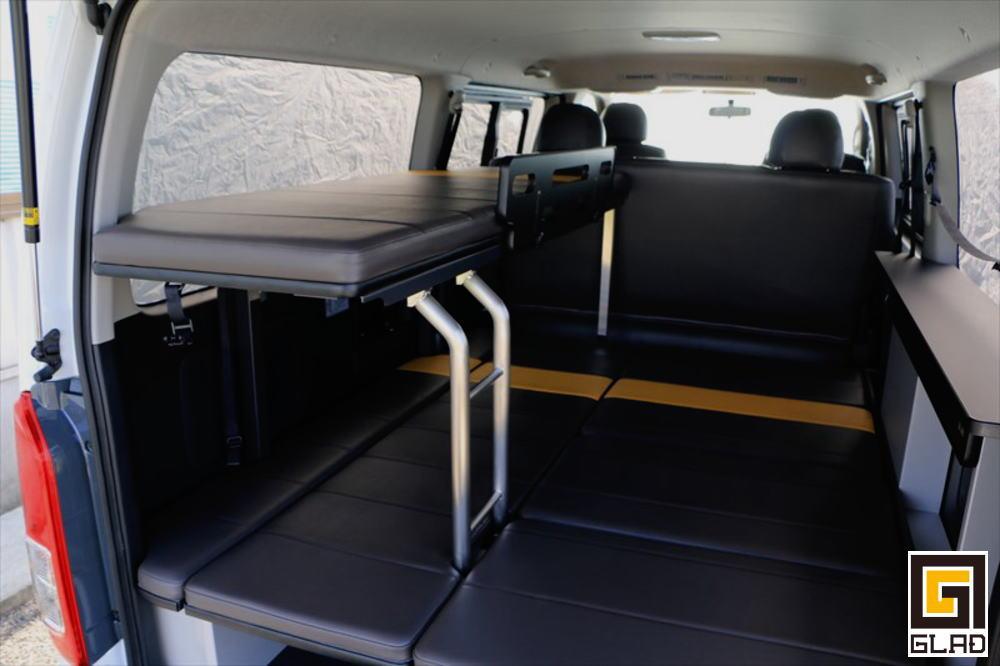 ハイエース 車中泊 片面2段ベッド GLADステップベッド 山口県のオーナー様へ納車