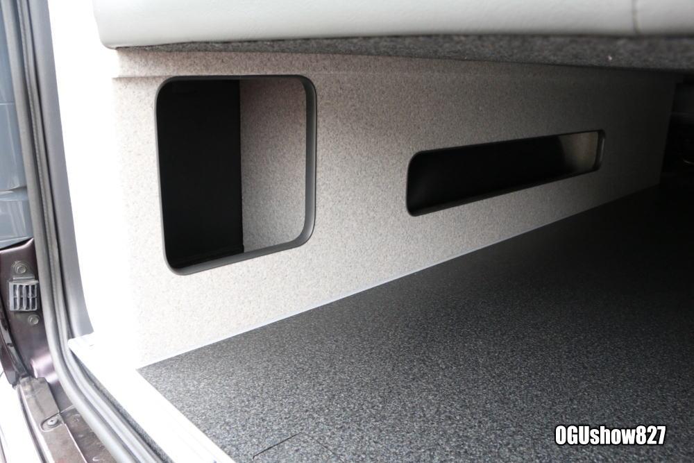 ハイエース フルフラットベッド搭載 車中泊トランポ オグショー827