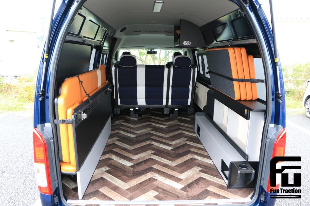 ハイエース オフロードバイク積載トランポ 2段ベッド GLADステップベッド搭載 車中泊 キャンプ