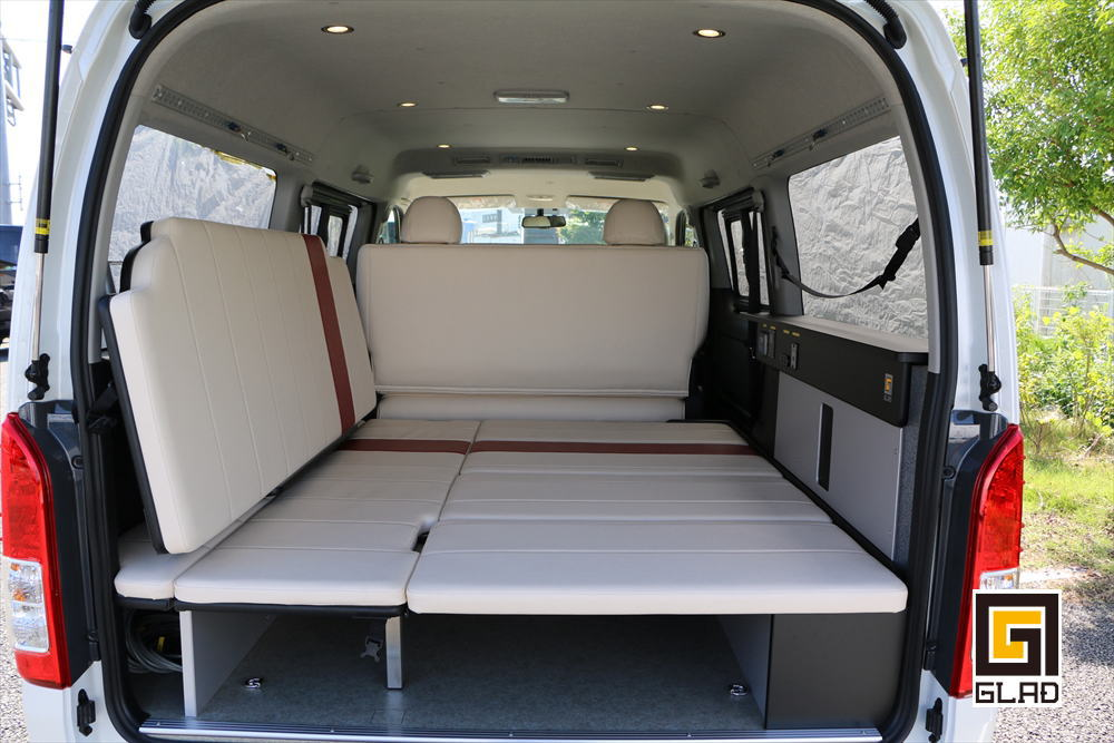ハイエースS-GL 片面2段ベッド GLADステップベッド搭載 バイク ワンコ 車中泊 トランポ