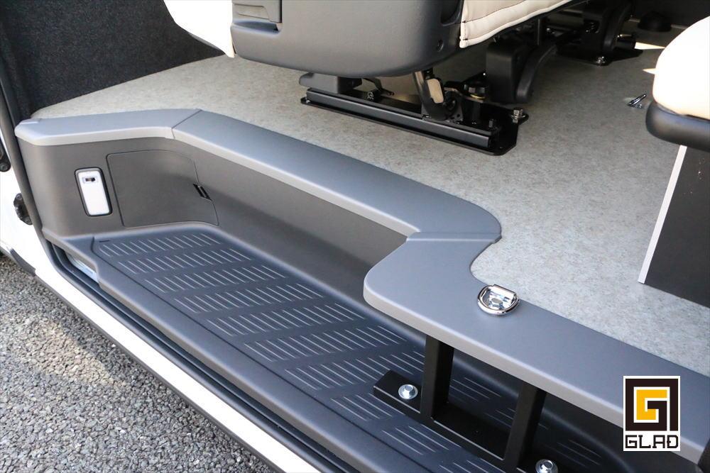 ハイエースS-GL 片面2段ベッド GLADステップベッド搭載 バイク ワンコ 車中泊 シートレール フックスタンド
