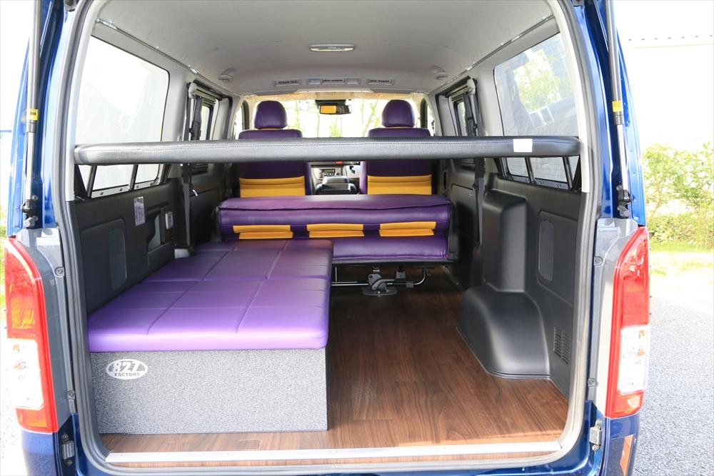 ハイエース 2段ベッド ロフトベッドで上下で車中泊