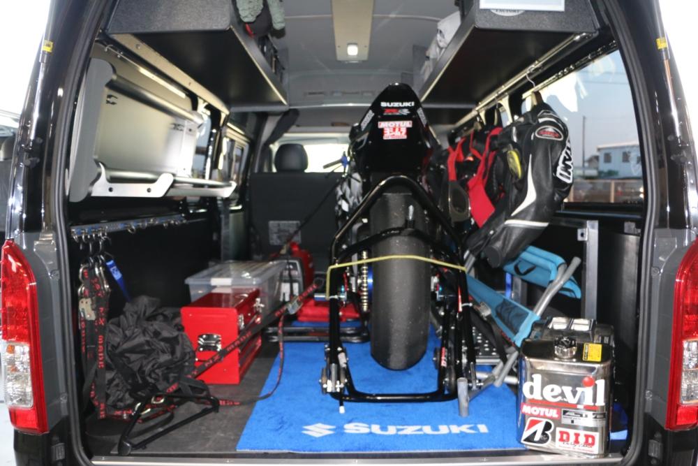 ハイエース スーパーロングDXにスイングトレーをオーダー製作