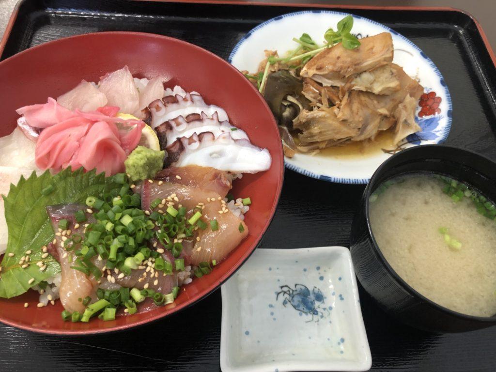 ハイエース車中泊の旅 鹿児島長島編 海鮮丼