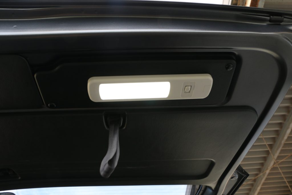 ドア連動LEDルームランプ
