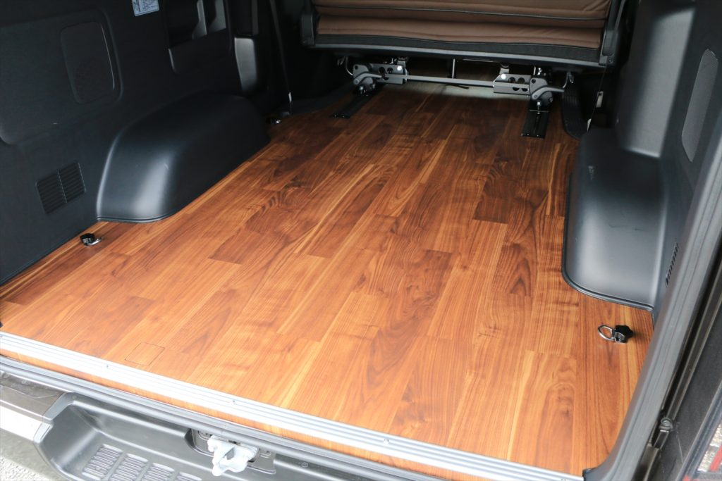 ハイエース スライドレール 床貼り加工