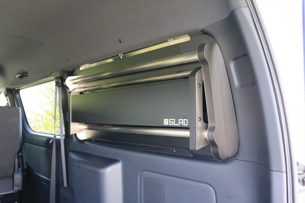 スイングトレー窓埋めパネル収納