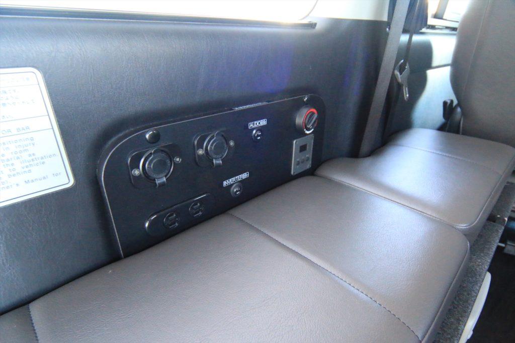 サブバッテリーシステム、FFヒーター、オーディオ切り替えも装備済み