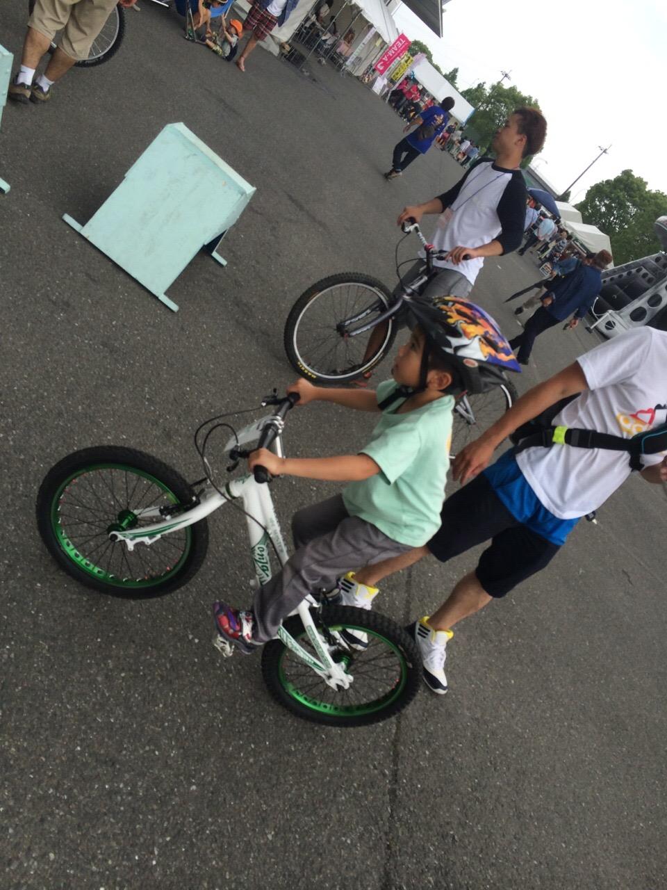 九州キャンピングカーショー 森海盛&IKKEI バイクトライアルショー