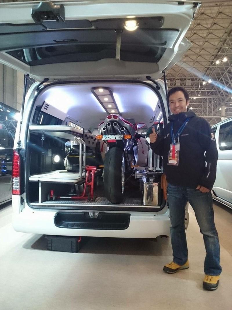 東京オートサロン2016 オグショー827よりGLADデモカー出展!片面2段ベッド搭載バイクトランポ!