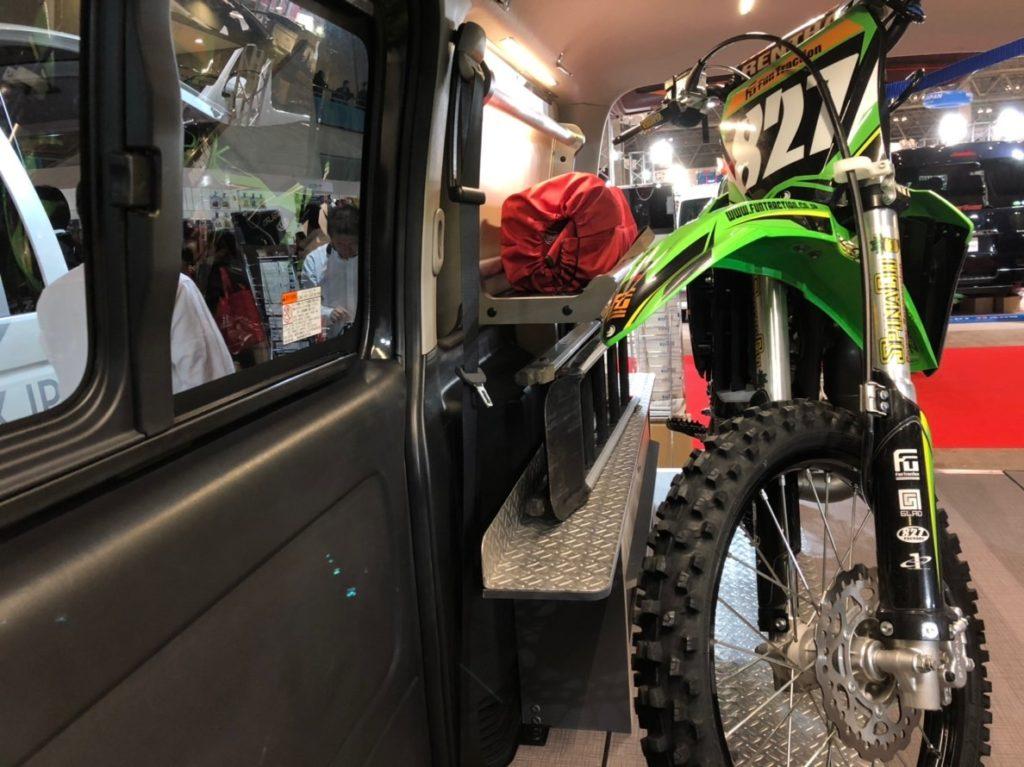 モトボックスハイエースバイク