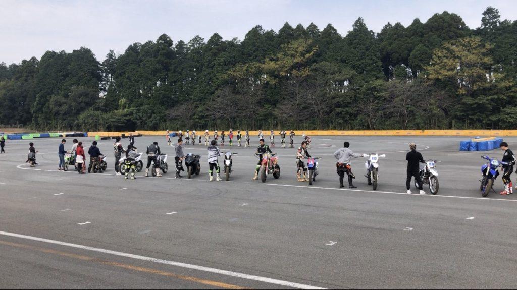 モタード耐久レース