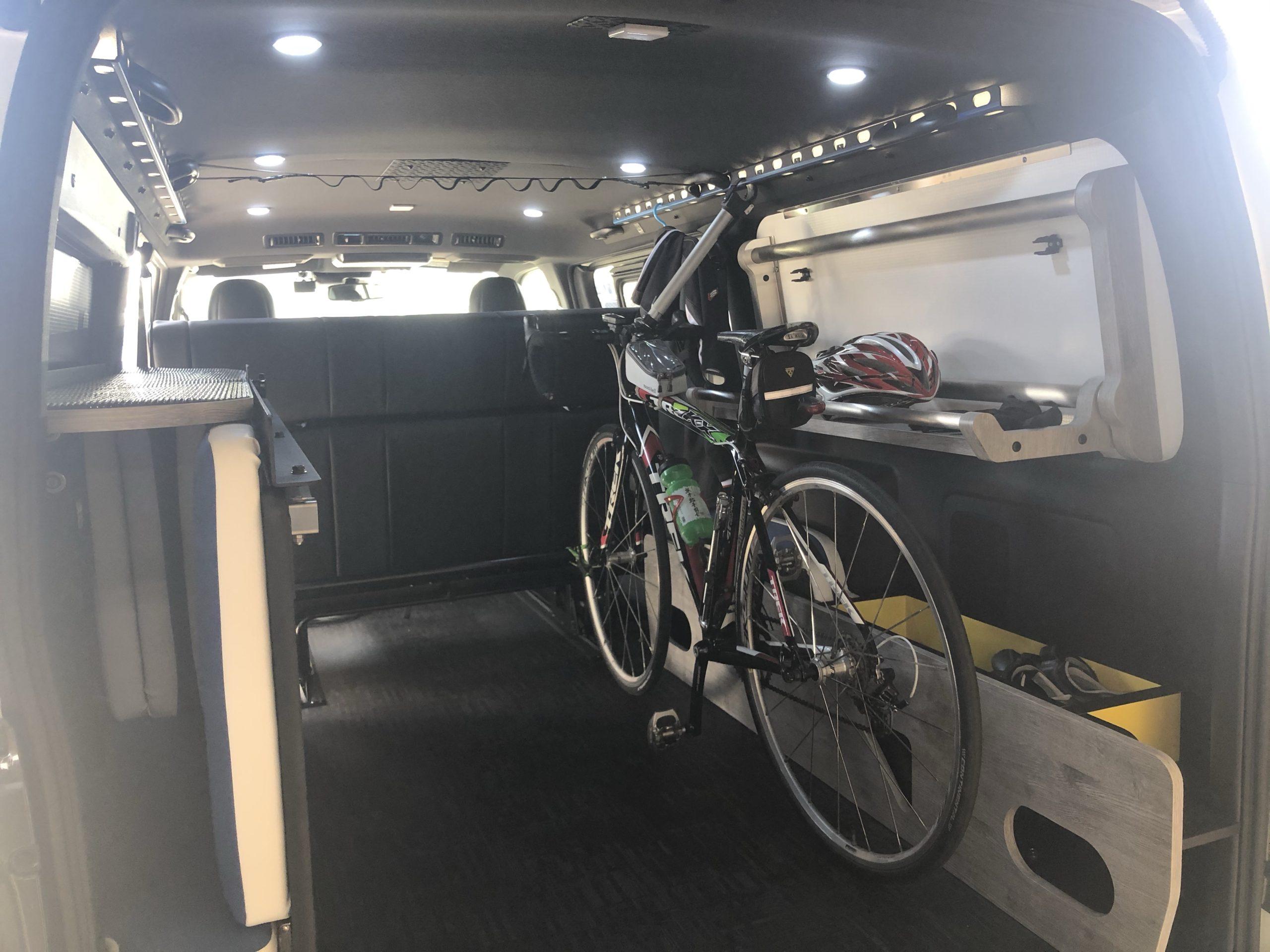 ハイエースGLADコンテナベッド ロードバイク自転車積載